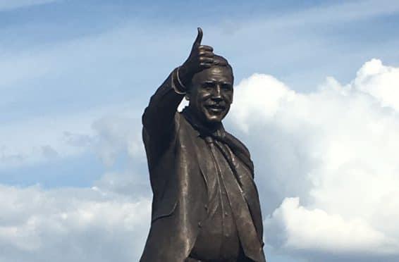 Chris Turner statue